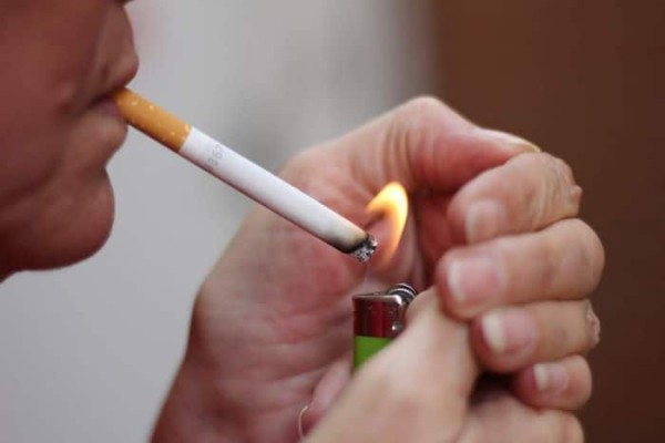 Τρόποι να ανάψεις τσιγάρο χωρίς αναπτήρα!
