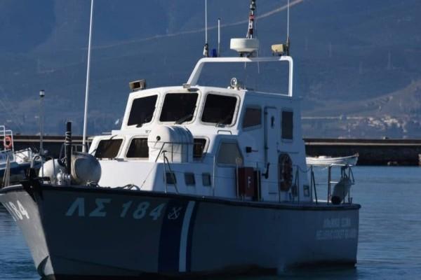 Σκάφος με πρόσφυγες εντοπίστηκε στην Κεφαλονιά!