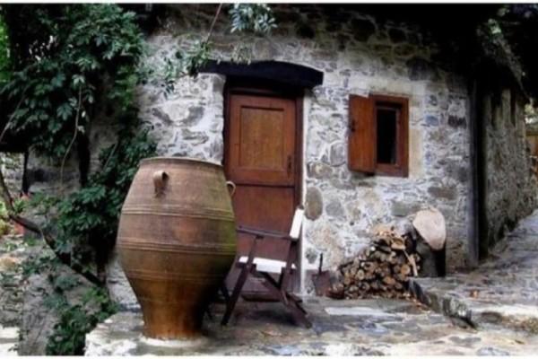 Μηλιά: Tο χωριουδάκι χωρίς ρεύμα στα Χανιά που είναι μέσα στα 50 καλύτερα μέρη παγκοσμίως!