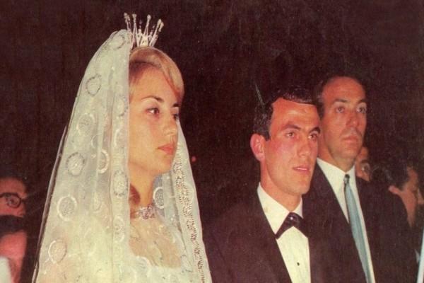 Βίκυ Μοσχολιού- Μίμης Δομάζος: Ο γάμος με τις 7.000 μπομπονιέρες που έμεινε στην ιστορία! (photos-video)