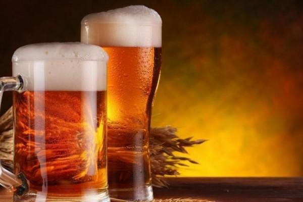 Νιώθεις ότι πάει να σπάσει το κεφάλι σου; Άσε τα παυσίπονα και πιες δύο μπύρες!