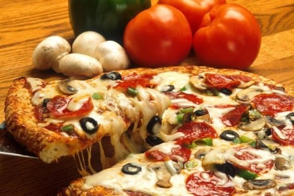 Βρήκαμε ποια είναι η τέλεια πίτσα σύμφωνα με την επιστήμη!