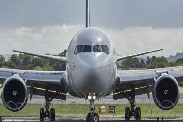 Χαμός σε πτήση: Επιβάτης πέταξε το αεροπλάνο γιατί ο πιλότος δεν...! (Video)