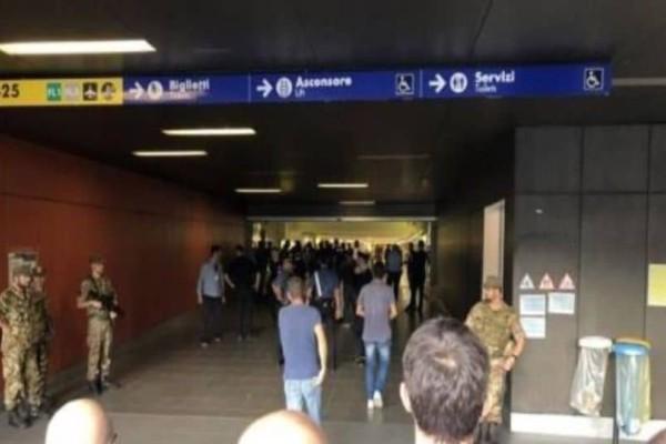 Θρίλερ στη Ρώμη! Αυτοκτόνησε άνδρας με όπλο μπροστά στους επιβάτες! (photo)