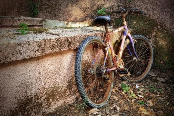 Θρήνος στο Πήλιο: Άνδρας κρεμάστηκε με την αλυσίδα του ποδηλάτου!