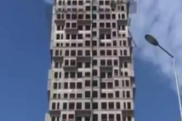 Τρομακτικό! Πολυκατοικία σείεται και «λυγίζει» την ώρα του σεισμού στην Κωνσταντινούπολη! (Video)