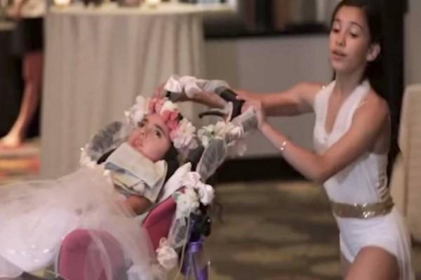 12χρονο κορίτσι διακόπτει τον γάμο και ανεβαίνει στην πίστα μαζί με την ανάπηρη αδερφή της. Ο λόγος; Θα σας κάνει να δακρύσετε!