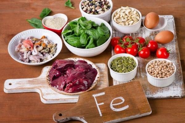Σίδηρος: Ποιες είναι οι κορυφαίες τροφές; Τι να κάνετε για να αυξήσετε την πρόσληψη;