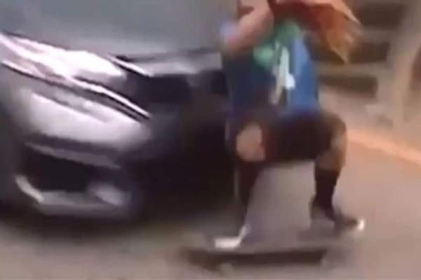 Σοκαριστικό τροχαίο: Αυτοκίνητο παρέσυρε και «εκτόξευσε» άνδρα! (Video)