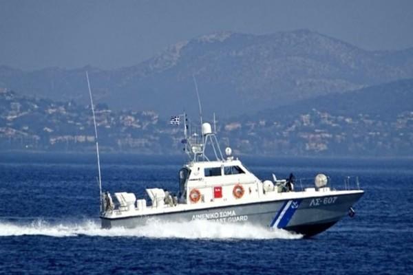 Συναγερμός  στην Τήλο: Ακυβέρνητο σκάφος με δύο επιβαίνοντες!