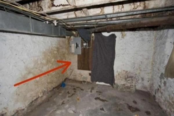 Ανακαίνιζαν το σπίτι τους και γκρέμισαν αυτόν τον τοίχο! Μόλις είδαν τι υπήρχε από πίσω πάγωσαν! (photos)