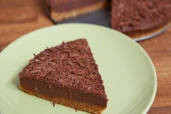 Το τέλειο γλυκό!  Τούρτα σοκολάτας σε 10 λεπτά!