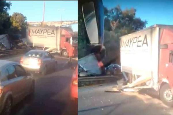 Σοβαρό τροχαίο στην Αθηνών - Κορίνθου: Ανετράπη νταλίκα!