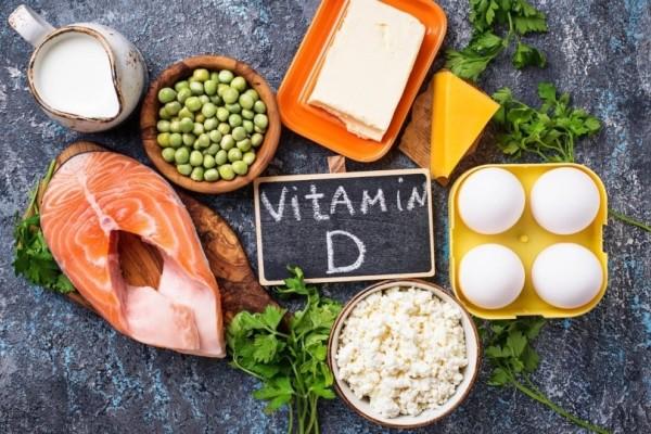 Βιταμίνη D: Σε ποιες τροφές θα την βρείτε; Πόση χρειάζεστε ανά ηλικία;