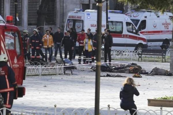Συναγερμός στην Τουρκία: Βομβιστική επίθεση σε λεωφορείο με αστυνομικούς! (Video)