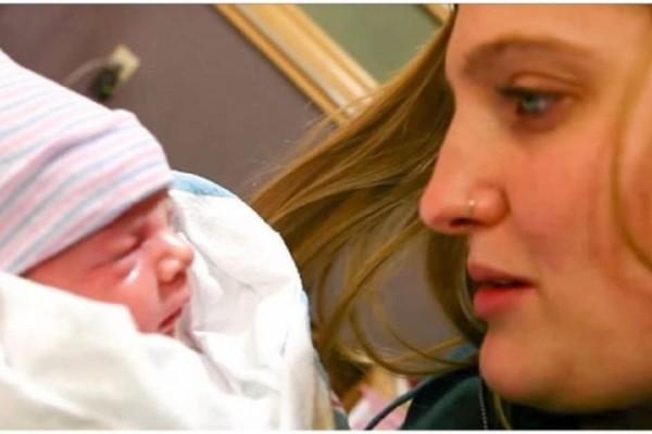 Ζευγάρι υιοθετεί νεογέννητο παιδί αλλά μόλις ο πατέρας κοιτάει προσεκτικά την φυσική του μητέρα, καταλαβαίνει πως την έχει ξαναδεί!