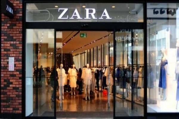 ZARA: Το παλτό που επιλέχτηκε από τη Vogue για αυτή τη σεζόν κοστίζει μόνο 29 ευρώ!