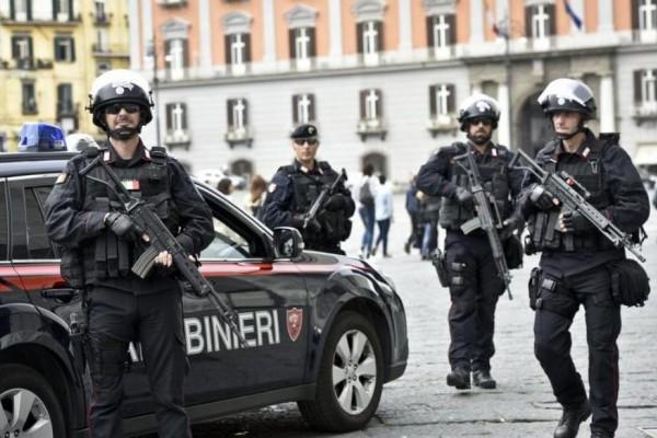 Ιταλία: Πυροβολισμοί σε αστυνομικό τμήμα! Νεκροί δυο αστυνομικοί!