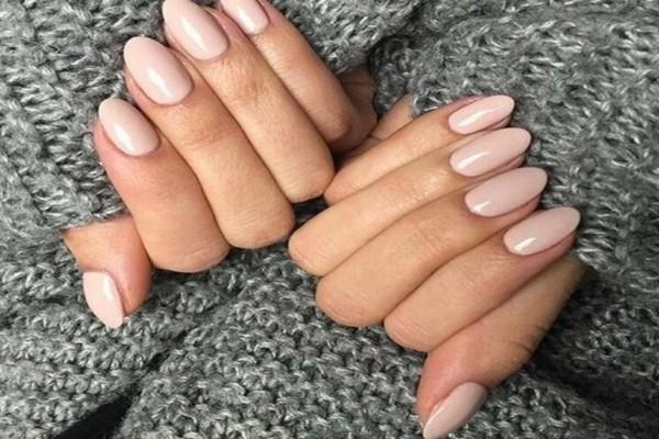 Έκλεισες ραντεβού για μανικιούρ; 9+1 κορυφαία φθινοπωρινά  χρώματα στα νύχια για να κάνεις!