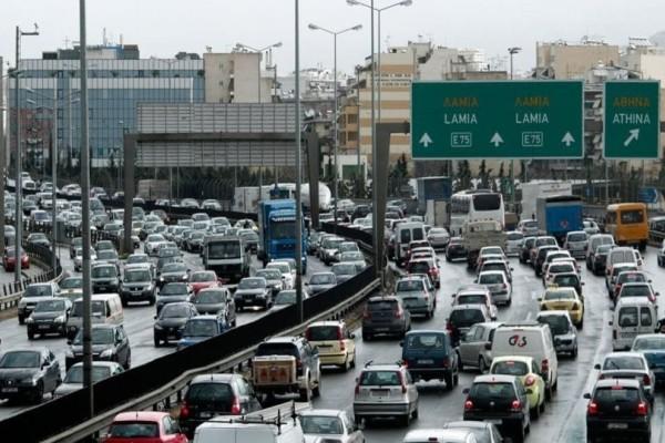 Κυκλοφοριακό χάος στην Αθήνα: Ποιους δρόμους να αποφύγετε! (photos)