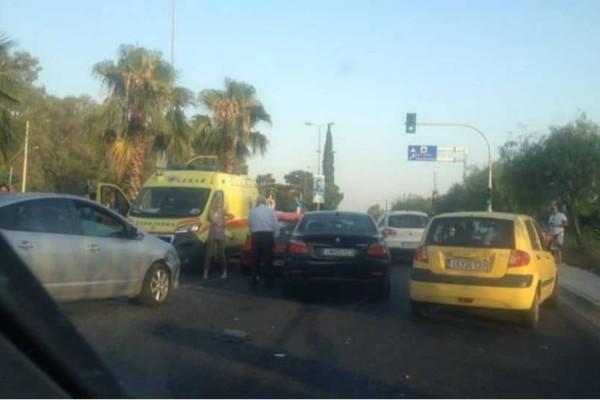 Κυκλοφοριακό κομφούζιο στην Παραλιακή λόγω καραμπόλας!(Photos)