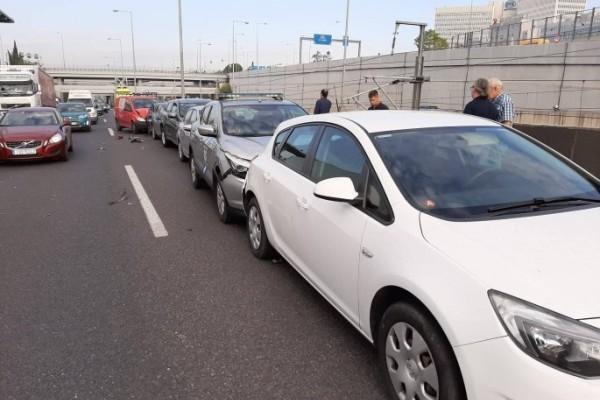 Αττική οδός: Καραμπόλα μεταξύ 7 αυτοκινήτων!