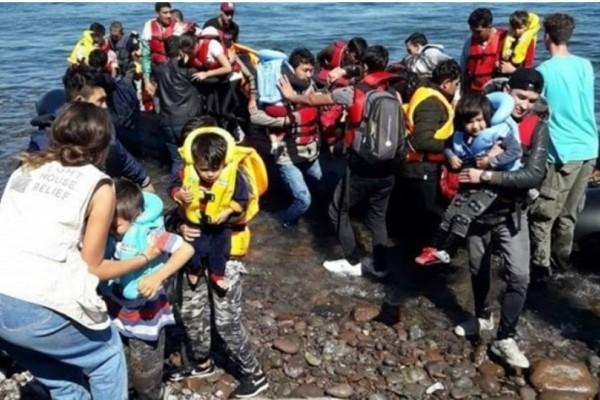 500 πρόσφυγες μεταφέρθηκαν από τη Σύμη στον Πειραιά!