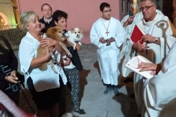 Κέρκυρα: Πιστοί ευλόγησαν τα ζώα τους λόγω εθίμου!