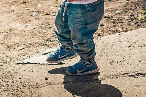 Σοκ στη Μεσσηνία: Παιδί περπατούσε ολομόναχο μέσα στα αίματα!
