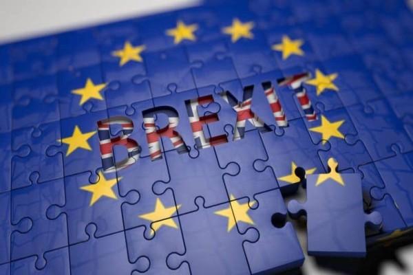 Οριστική συμφωνία για Brexit! Το ανακοίνωσε ο Γιούνκερ! (photo)