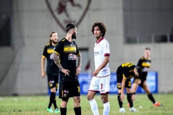 Super League: Λάρικα και ΑΕΚ «κόλλησαν» στο 0-0 σε γήπεδο... χωράφι!