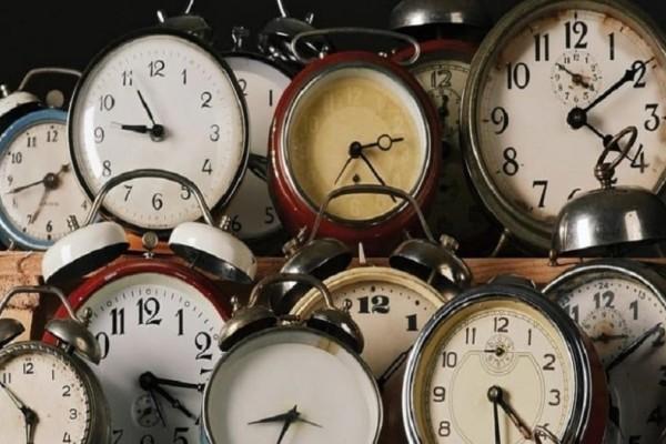 Δείτε πότε γυρίζουμε τους δείκτες του ρολογιού! Tι πρέπει να γνωρίζετε;