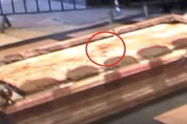 Ανατριχιαστικό Βίντεο: Αίμα αναβλύζει από τον τάφο του Χριστού;
