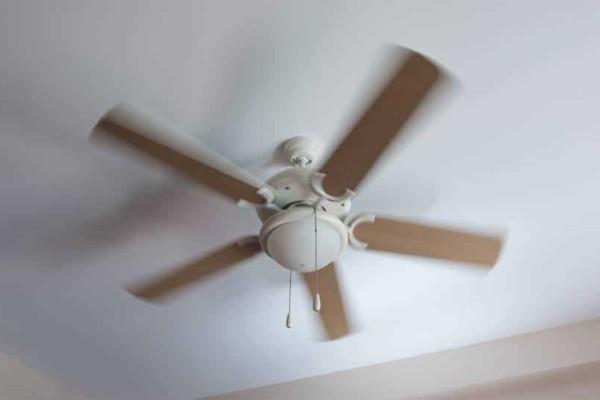 Φρικτός θάνατος για 6 μηνών βρέφος: Ο θετός του πατέρας το πέταξε στον ανεμιστήρα οροφής!