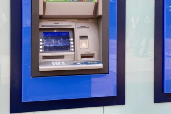 Έρχονται νέες χρεώσεις σε ΑΤΜ, ανανεώσεις, επανέκδοση καρτών και PIN!