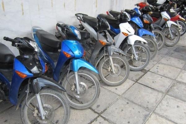Υπουργείο Μεταφορών και Υποδομών: Νέα ρύθμιση για το παρκάρισμα των δίκυκλων!