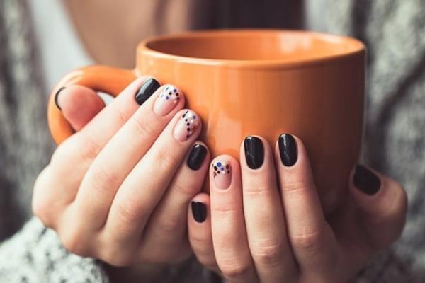 Κορίτσια δώστε βάση: 9+1 προτάσεις για τα πιο trend νύχια του χειμώνα!
