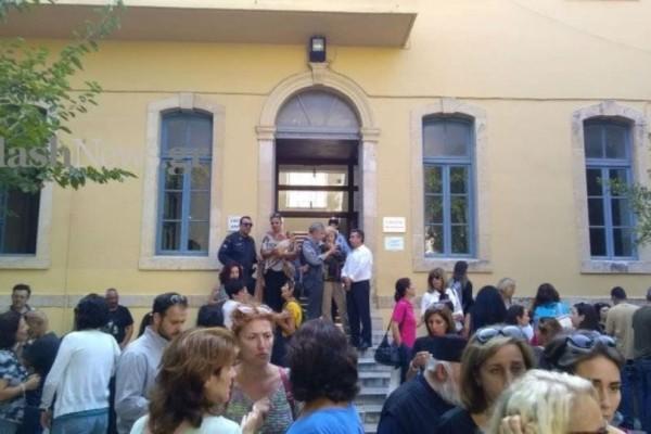 Κρήτη: Στη φυλακή ο πατέρας που χτύπησε δασκάλα στο σχολείο!