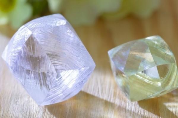Απίστευτο: Εξόρυξαν διαμάντι - μήτρα ηλικίας 800 εκατομμυρίων ετών! (Βίντεο)