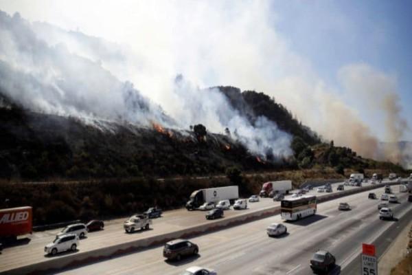 Συναγερμός στην Καλιφόρνια: Μεγάλη φωτιά έφτασε σε σπίτια!  (Video)