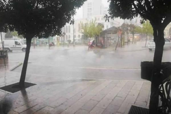 Ισχυρή καταιγίδα στην Πάτρα! Μεγάλο μποτιλιάρισμα από τροχαίο! (photo-video)