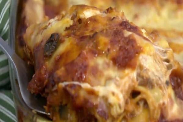 Πεντανόστιμα λαζάνια με κιμά μανιταριών και μοτσαρέλα! (Video)
