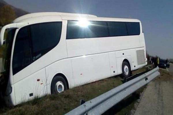Συναγερμός στη Λιβαδειά: Εξετράπη λεωφορείο που μετέφερε ηλικιωμένους!