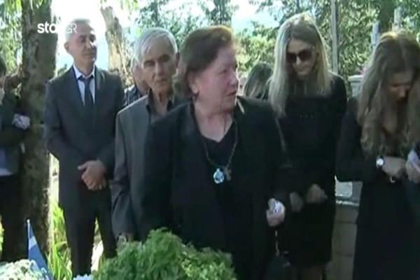 Απειλούν με φυλάκιση τη μάνα του Κατσίφα! (Video)