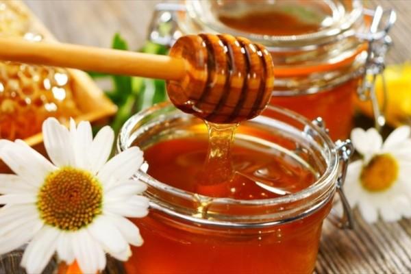 Τα 8 πράγματα που θα γίνουν στο σώμα σου αν τρως μέλι καθημερινά!