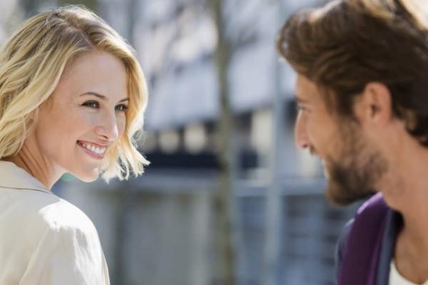9+1 πράγματα που παρατηρούν οι γυναίκες στους άντρες!