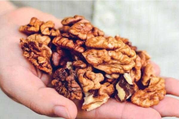 4+1 υπερτροφές για τον εγκέφαλο και ποια ώρα της ημέρας πρέπει να τις καταναλώνετε!