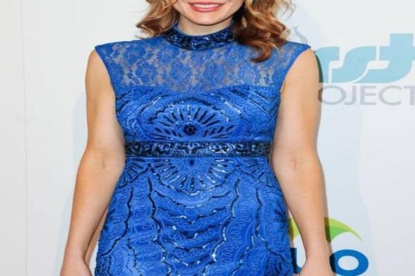 Σάλος: Πασίγνωστη ηθοποιός έγινε πρωταγωνίστρια ερωτικών ταινιών! (photo)