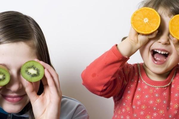 6+1 μικρά μυστικά για να λατρέψει το παιδί σας τα φρούτα!