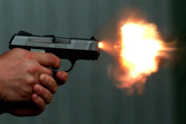 Απίστευτο: Τσακώθηκε με τον αδελφό του και πυροβόλησε!